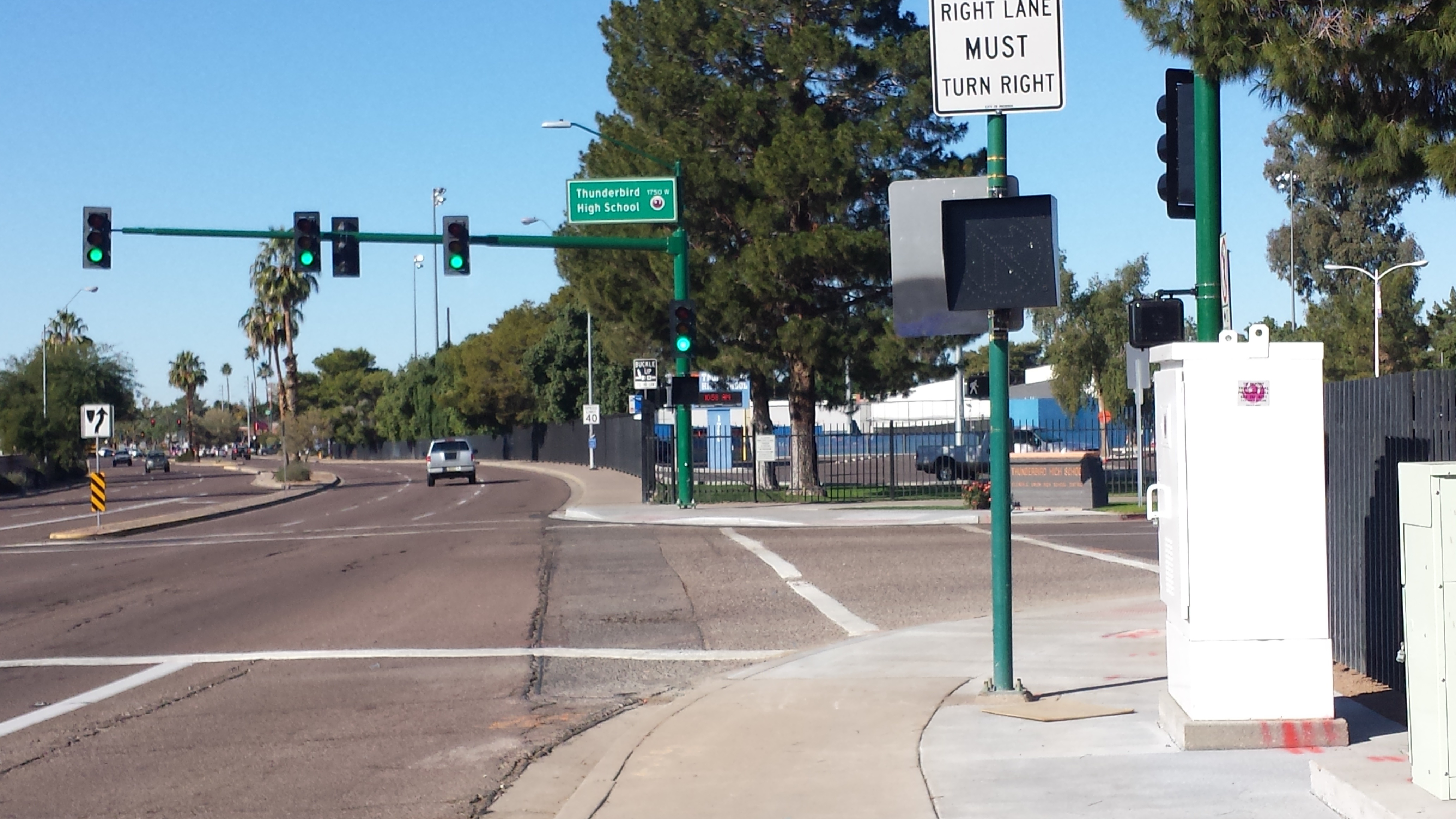 school entry mobility no right turn 3.jpg